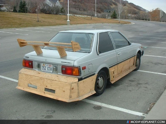 Body Kit and Trunk Spoiler Made of Wood