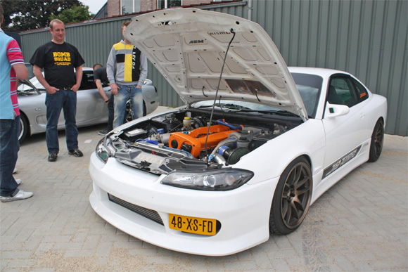 Jdm Nissan Silvia S15 With 18 Quot X9 5 Quot Bronze Rota Torque Wheels