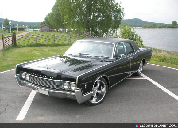 1966 lincoln continental with 20 coys chrome wheels. Black Bedroom Furniture Sets. Home Design Ideas