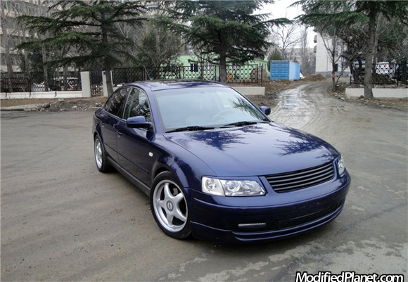 2000 Volkswagen Passat V6 GLX featuring a set of 17″ x 8″ ABT A11