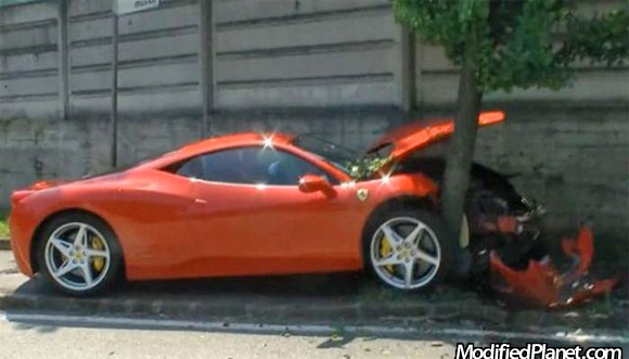 2010 Ferrari 458 Italia Car Crash Into Tree
