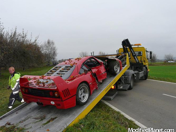 1991 Ferrari F40 Car Crash Into The Trees 3 Pics