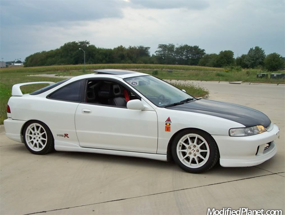 1994 acura integra with jdm type r front end conversion