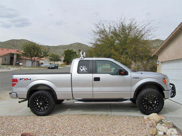 car-photo-2010-ford-f150-fx4-matte-black-20x9-kmc-xd798-addict-wheels