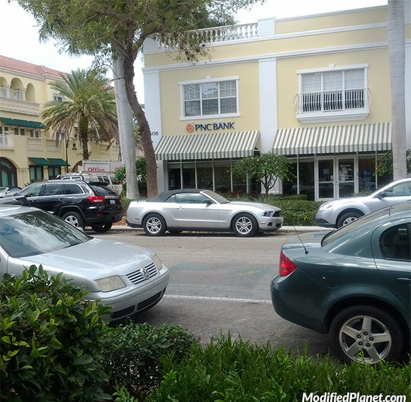 car-photo-2012-ford-mustang-convertible-parking-backwards-fail