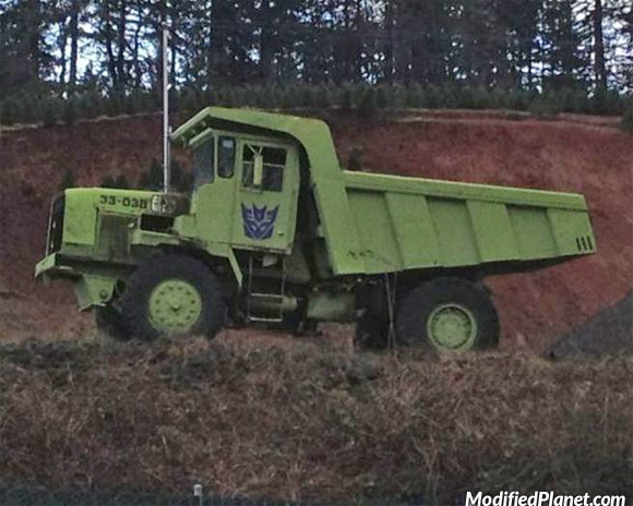 car-photo-green-dump-truck-long-haul-decepticon-emblem