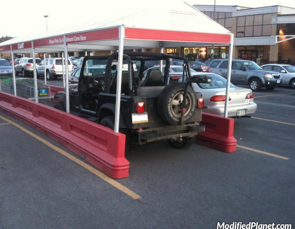 car-photo-1997-jeep-wrangler-shopping-cart-return-parking-fail