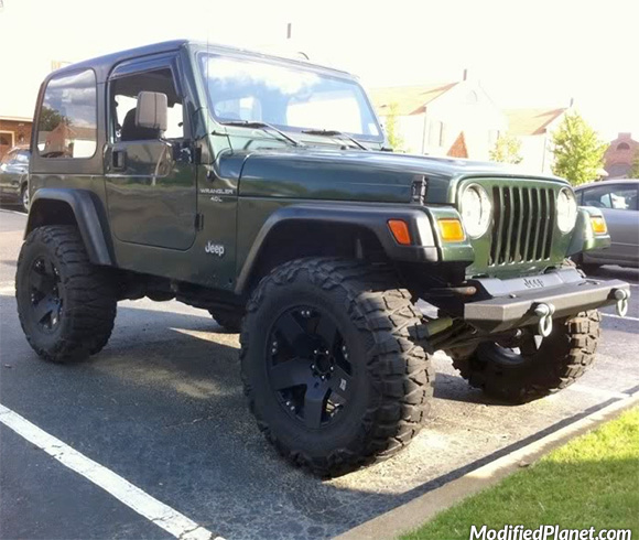 car-photo-1997-jeep-wrangler-sport-17x9-kmc-rockstar-wheels-35x12-5-nitto-mud-grappler-tires