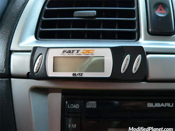 car-photo-2002-subaru-wrx-blitz-fatt-dciv-turbo-timer-custom-mounted-center-console