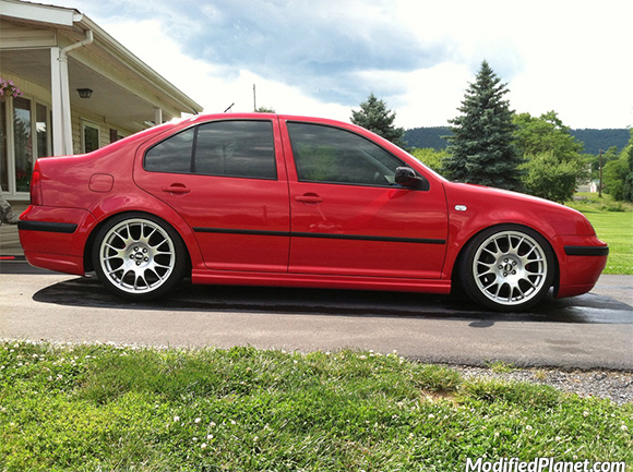 car-photo-2005-volkswagen-jetta-18x8-5-bbs-ch-wheels-30-offset