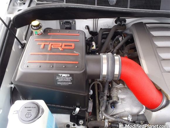 car-photo-2008-toyota-tundra-sr5-5-7l-v8-engine-bay-trd-air-intake-system