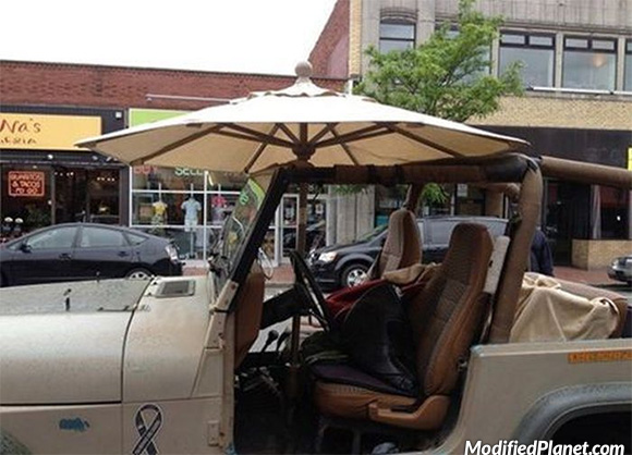 car-photo-1998-jeep-wrangler-patio-furniture-umbrella-top-fail