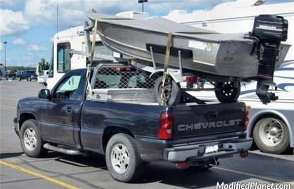 2007 Chevrolet Silverado With Boat Mounted To Truck Bed Fail