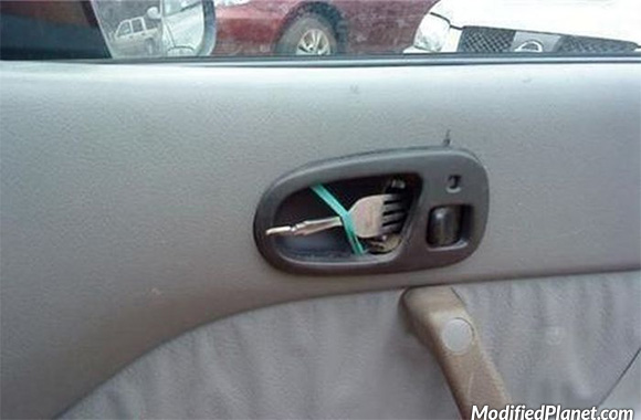 car-photo-how-to-fix-your-broken-door-handle-fork-rubber-band-fail