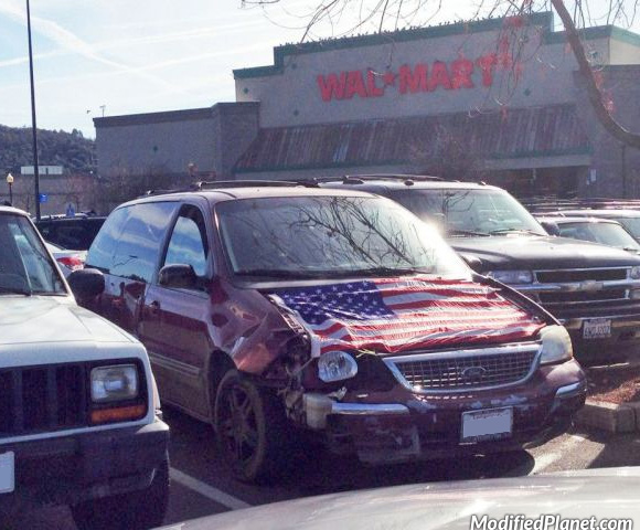 car-photo-2002-ford-windstar-hood-missing-engine-covered-with-american-flag