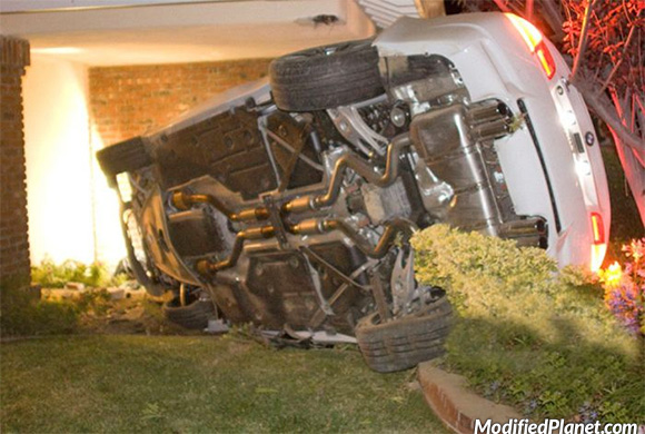 car-photo-2010-bmw-m3-crash-into-house-porch-fail