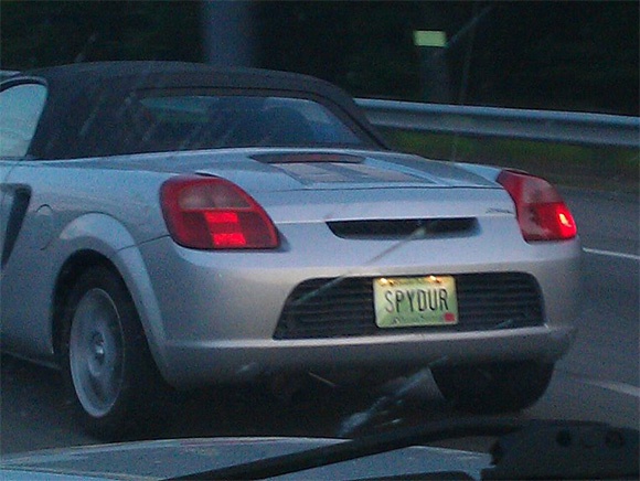 car-photo-2004-toyota-mr2-spyder-spydur-license-plate
