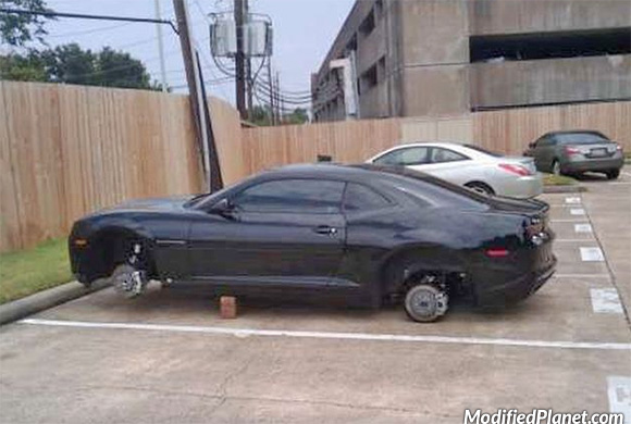 car-photo-2011-chverolet-camaro-ss-wheels-rims-stolen
