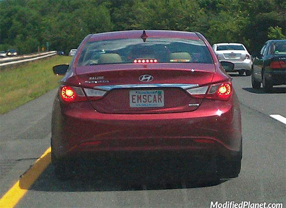 car-photo-2011-hyundai-sonata-hybrid-ems-car-license-plate