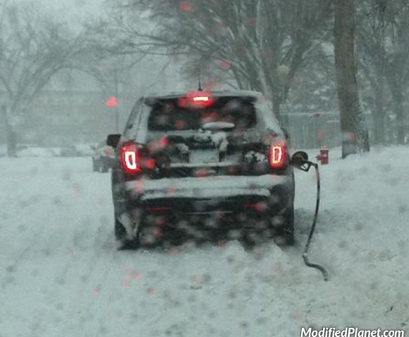 car-photo-2013-ford-explorer-owner-drove-away-with-gas-station-pump-fail