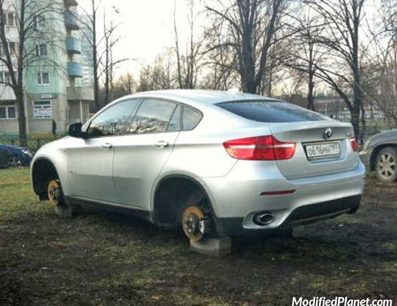 car-photo-2008-bmw-x6-wheels-rims-stolen-fail