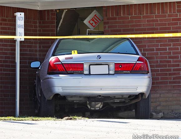 car-photo-1998-mercury-grand-marquis-crash-accident-into-church-fail