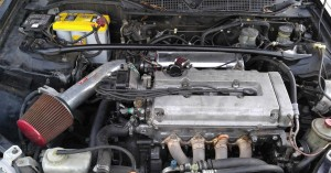 2000 Honda Civic Si Engine Bay with Injen Short Ram Air Intake IS1560P